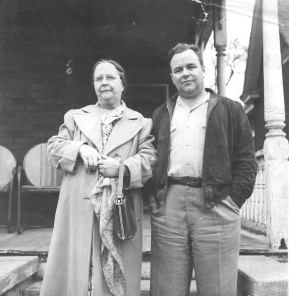 Ella Branham met haar zoon Doc