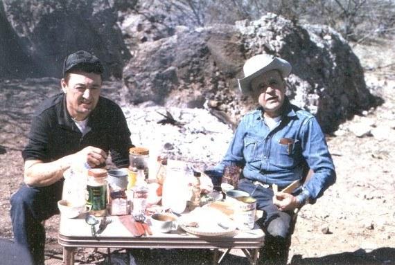Gene Norman met William Branham tijdens een jachttocht op Sunset Mountain