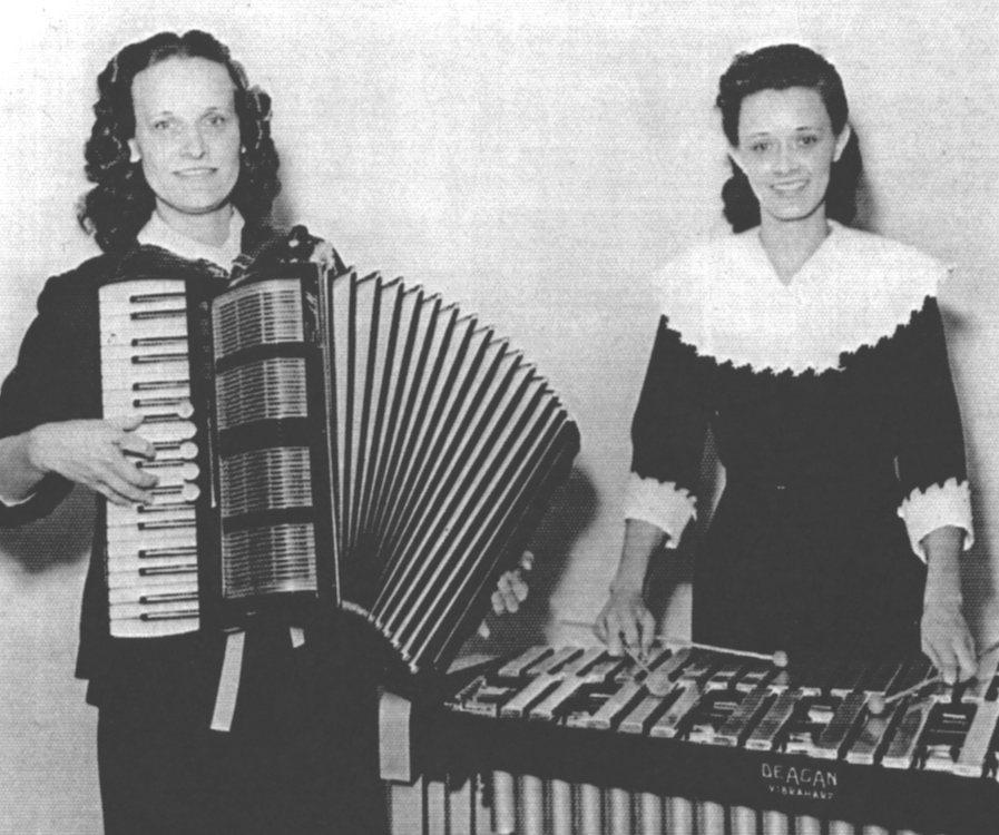Helen Downing en haar zus Vera Myers