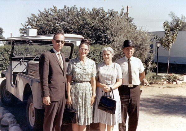 Jack en Pauline Palmer met William en Meda Branham in Tucson, Arizona, 18 September 1965